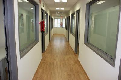 Seguridad industrial alturas y salud ocupacional for Que color elegir para un pasillo oscuro