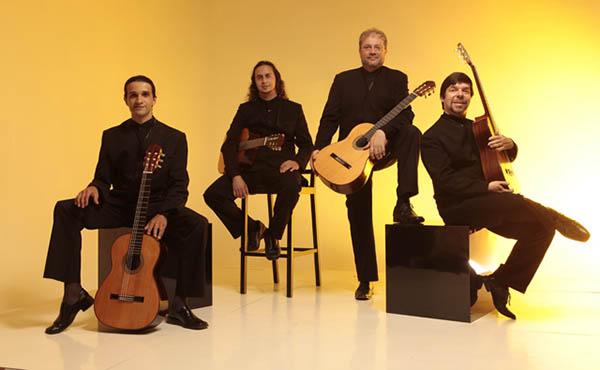 Quaternaglia Guitar Quartet