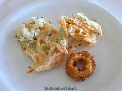 Sukiyaki: Prato Tempurá e Cebola empranada do buffet