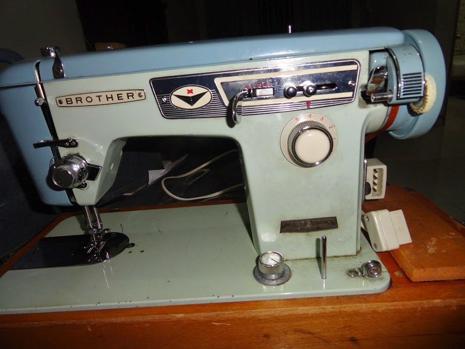 TRY TO FIX MY WIFE VINTAGE BROTHER SEWING MACHINE Fascinating Fix Brother Sewing Machine
