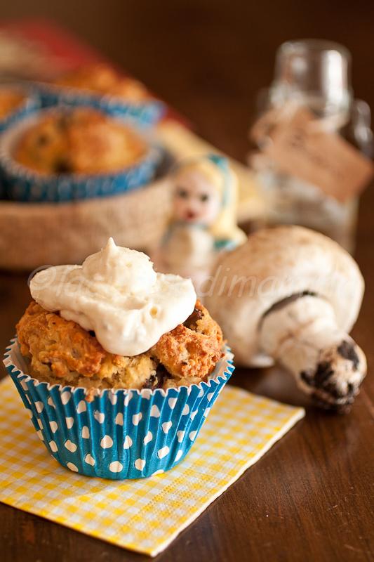 muffin salato ai funghi e sono diventata un pò alice anche io.