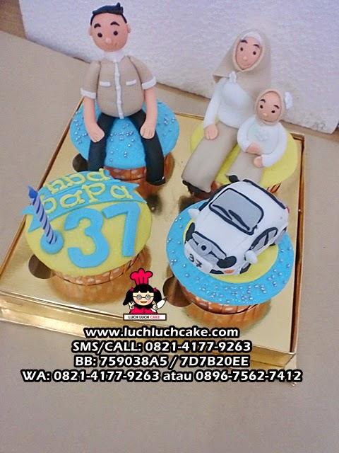 Cupcake Keluarga dan Mobil Untuk Papa Daerah Surabaya - Sidoarjo