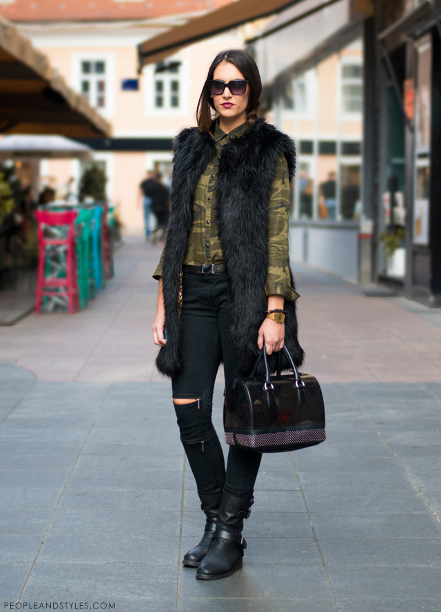 krzneni prsluci, slashed knee jeans with zipps Maison Scotch, camo shirt and black faux fur gilete vest Asos, biker boots, fall street chic 2014, Antonela Knežević,