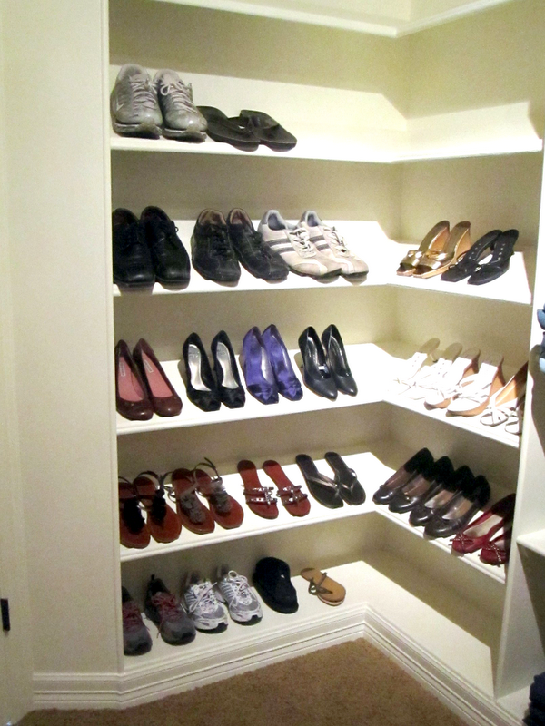 life with both hands full totally organized tuesday master bedroom closet. Black Bedroom Furniture Sets. Home Design Ideas