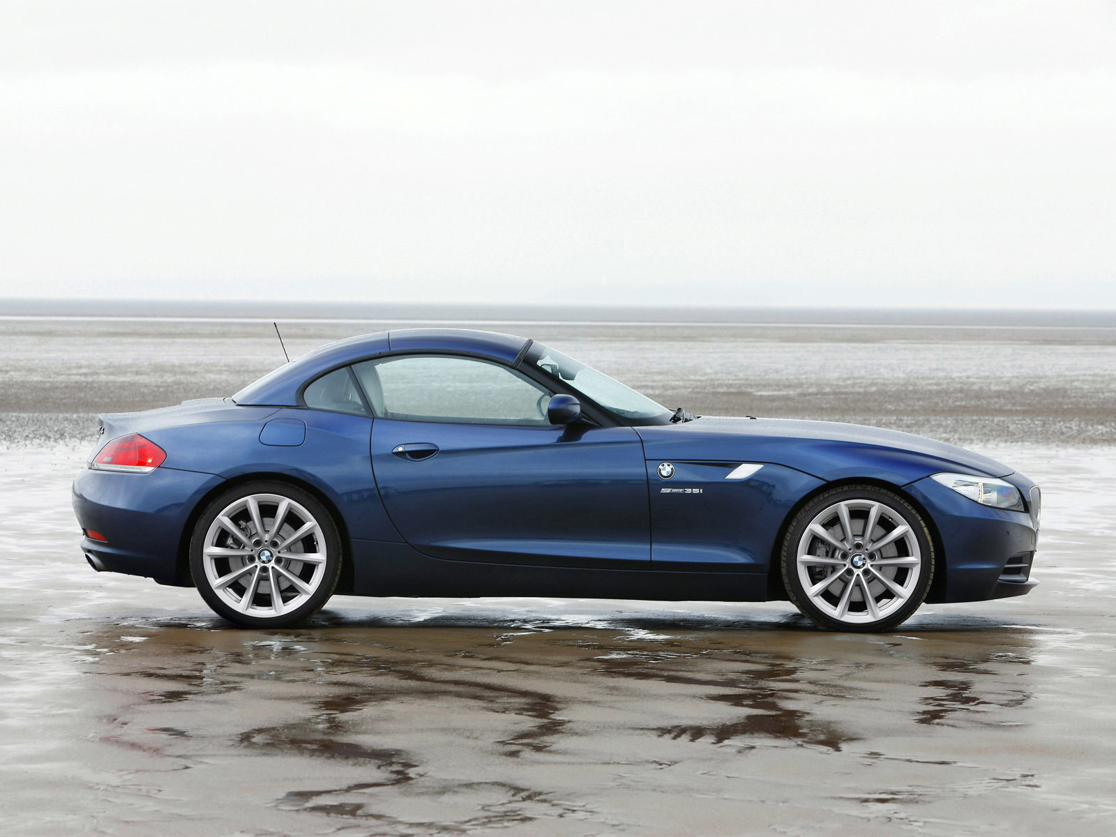2010 Bmw Z4 Uk Version Car Accident Lawyers Wallpapers