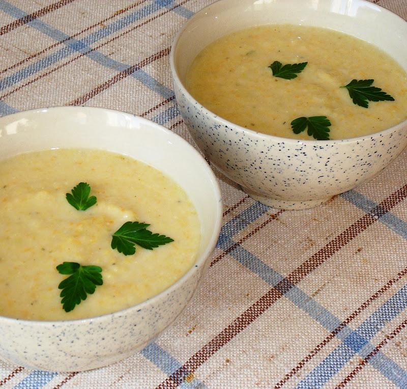 Diana 39 s cook blog la soupe aux poireaux oignons et pommes de terre de delia smith avec - Soupe a oignon maison ...