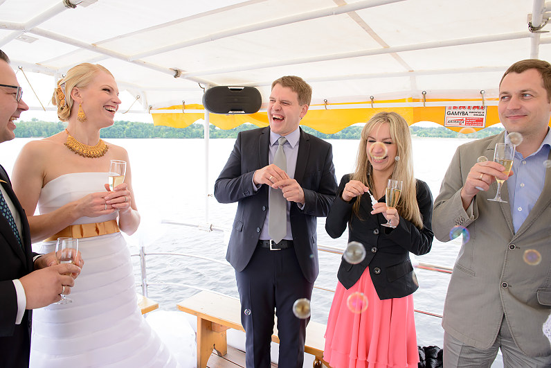 Vestuvės laivo denyje