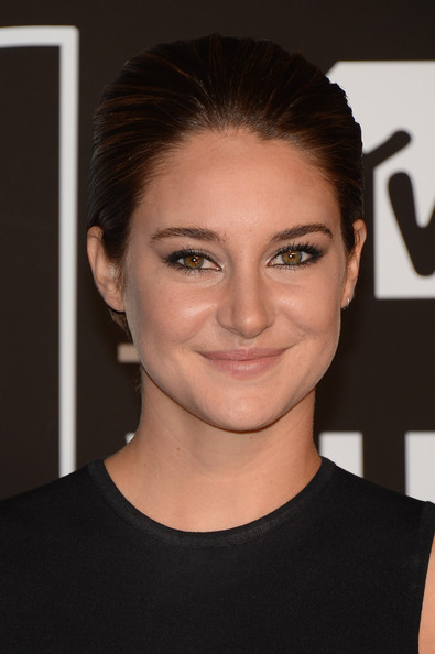 Shailene Woodley Hairstyle Lookbook