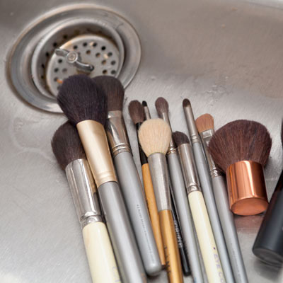Homemade Makeup Brush Cleaner | How Do You Clean Makeup Brushes
