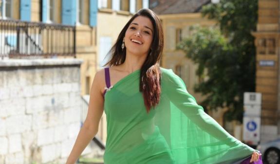 tamanna in green saree hot images