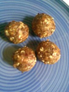 dates laddoo with flaxseeds and sesame | no added sugar