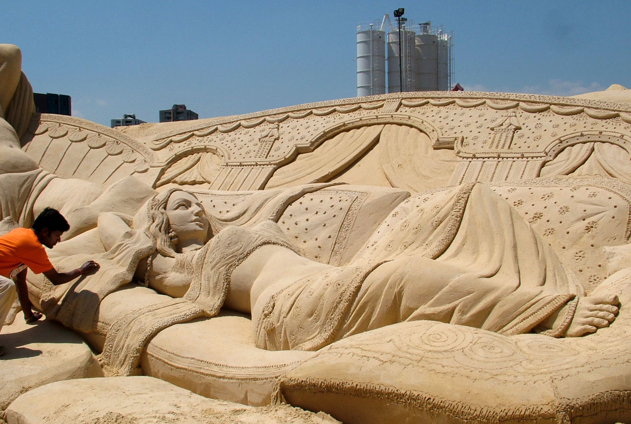 India the land of hearts puri golden beach