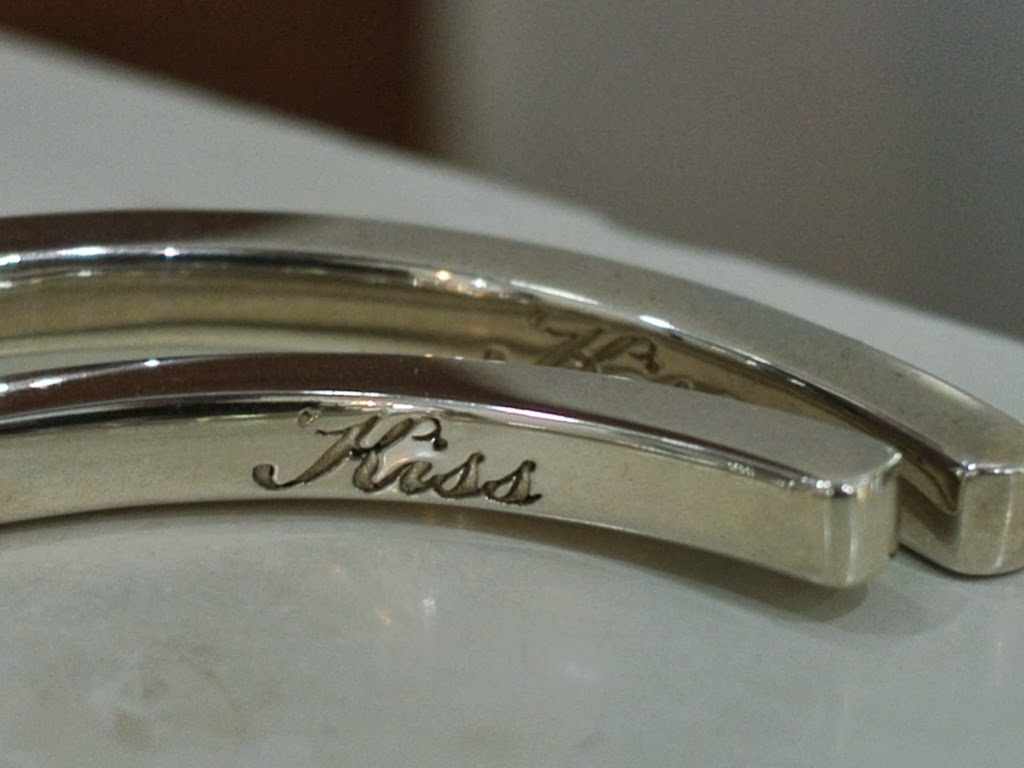 Dress Code Original - Kiss Bangle