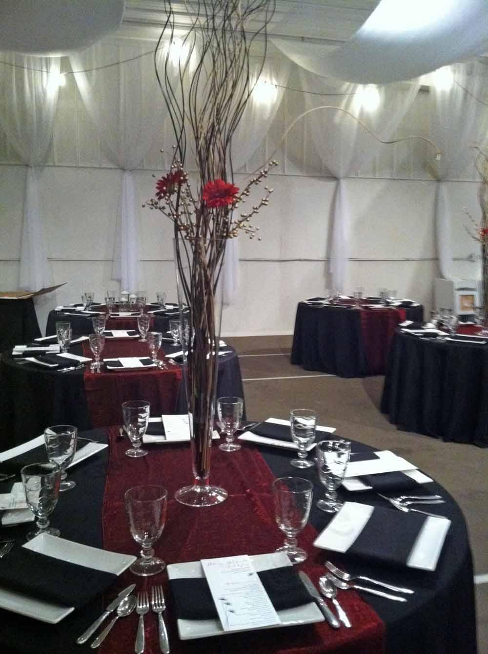 Real Wedding: Classic red and black wedding at Bluestem Vineyard ...