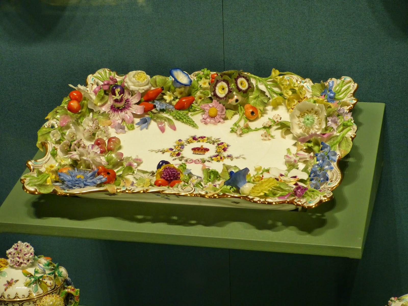 Minton soft porcelain pen tray (c1833)  belonging to the young Queen Victoria