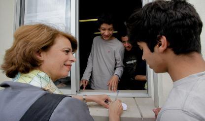 "Isabel Alçada ""voltou"" à Escola de Díli para falar da Aventura na Ilha de Timor"