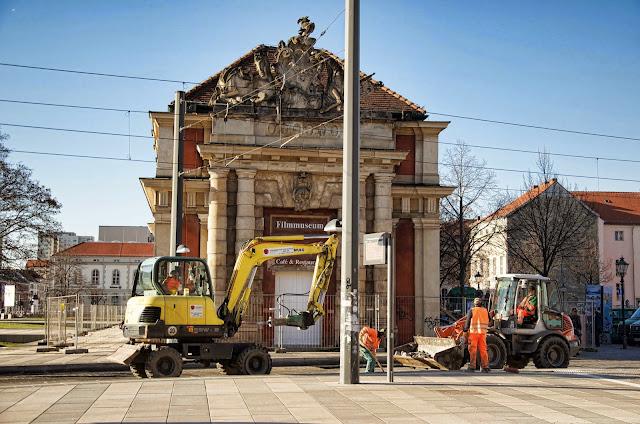 Baustelle Potsdam, Straßenarbeiten am Filmmuseum, Nähe Breite Straße, 14467 Potsdam, 11.01.2014
