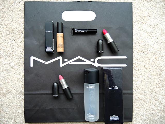 Mac Haul, Relentlessly Red, Please Me, Fix+, Pro Longwear Concealer