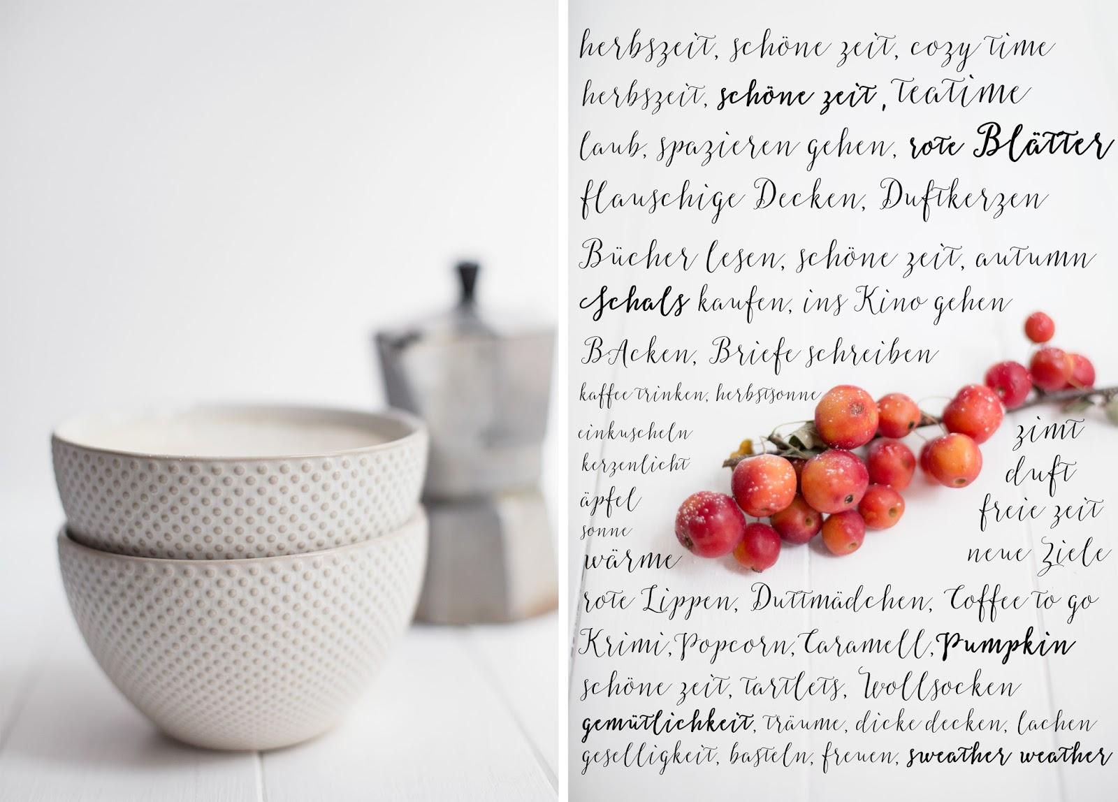 Herbstliche Apfel-Zimt-Tartlets und heißer Kaffee