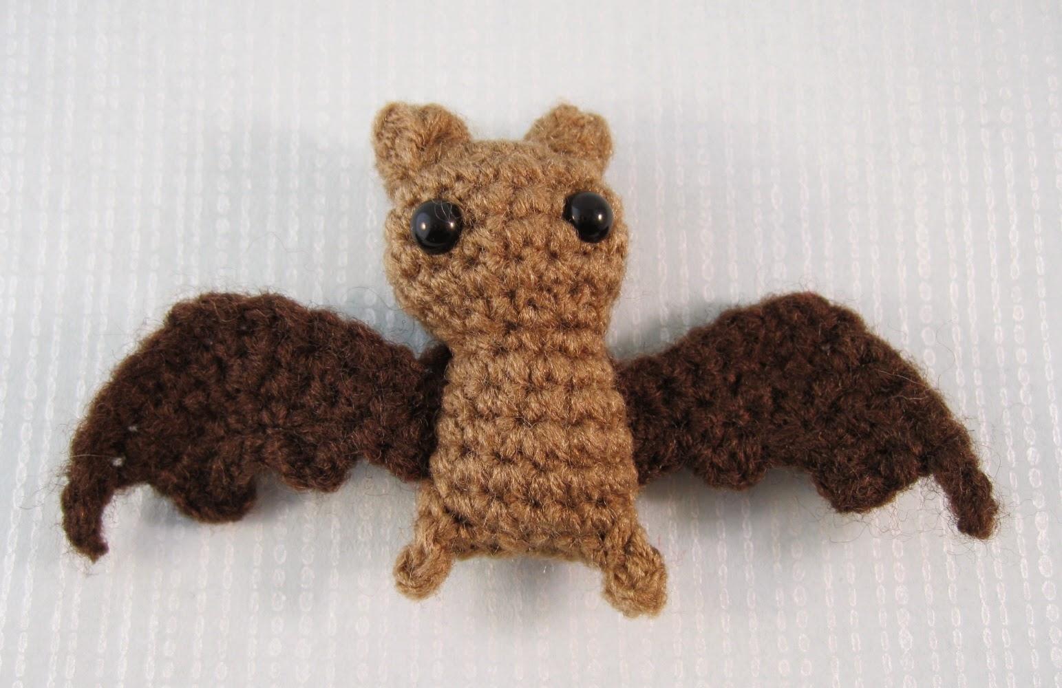 Amigurumi Dragon Wings : Lucyravenscar crochet creatures: itty bitty bat free amigurumi