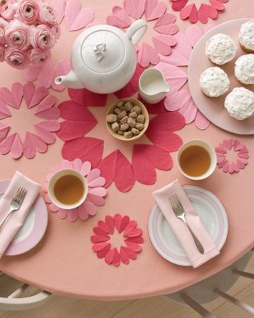 Mesa preparada para el té