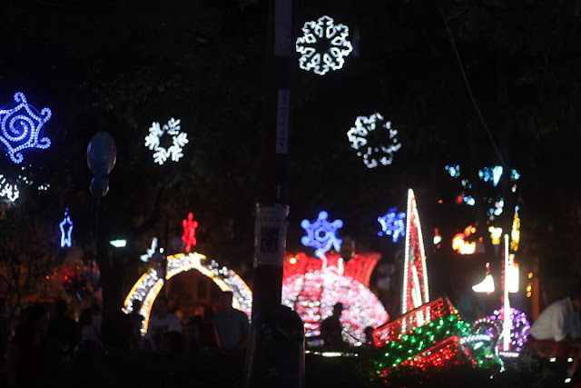 christmas lights medellin colombia