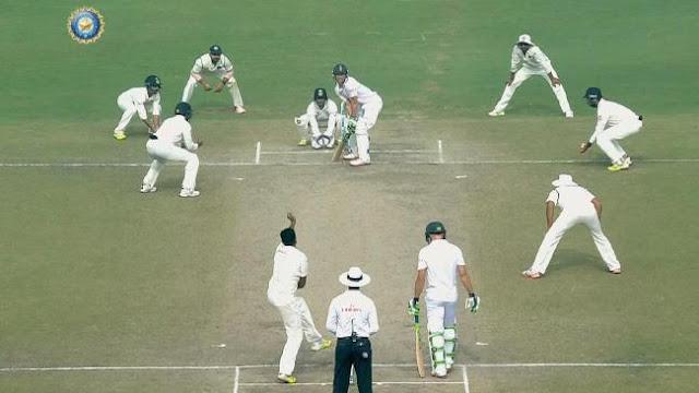 India's field for Ravichandran Ashwin against AB de Villiers.Source:FOX SPORTS
