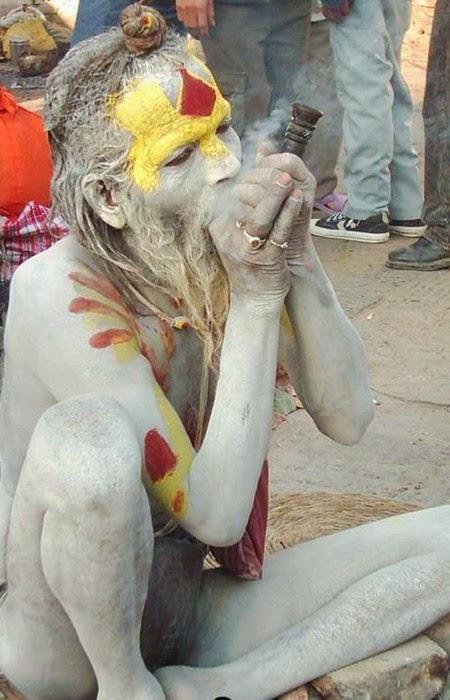 Caníbales sagrados en las riberas del Ganges