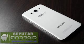 sisi belakang Samsung Galaxy A8