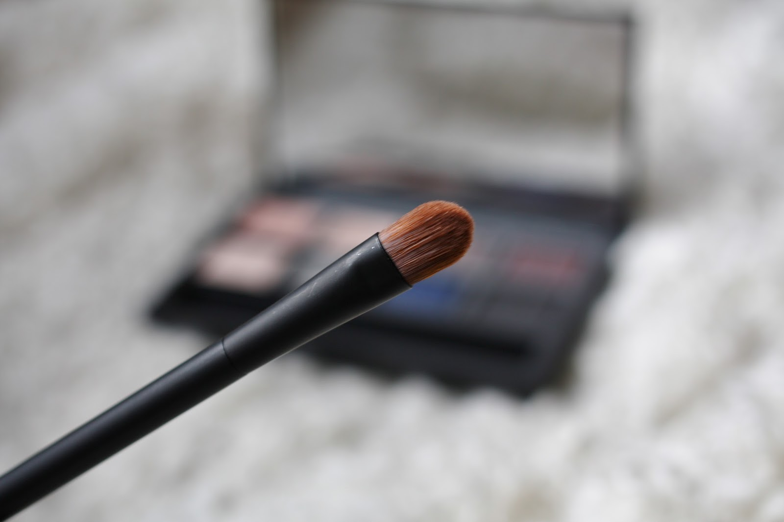 Nars Dual Intensity Eyeshadow Palette Wet and Dry Travel Brush