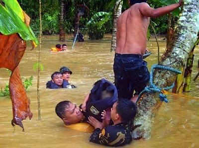 13  MUERTOS TRAS EL PASO DEL TIFON NARI POR FILIPINAS, 12 DE OCTUBRE 2013
