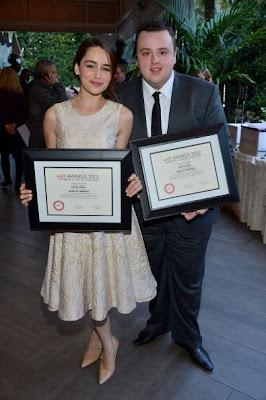 Emila Clarke y John Bradley premios AFI - Juego de Tronos en los siete reinos