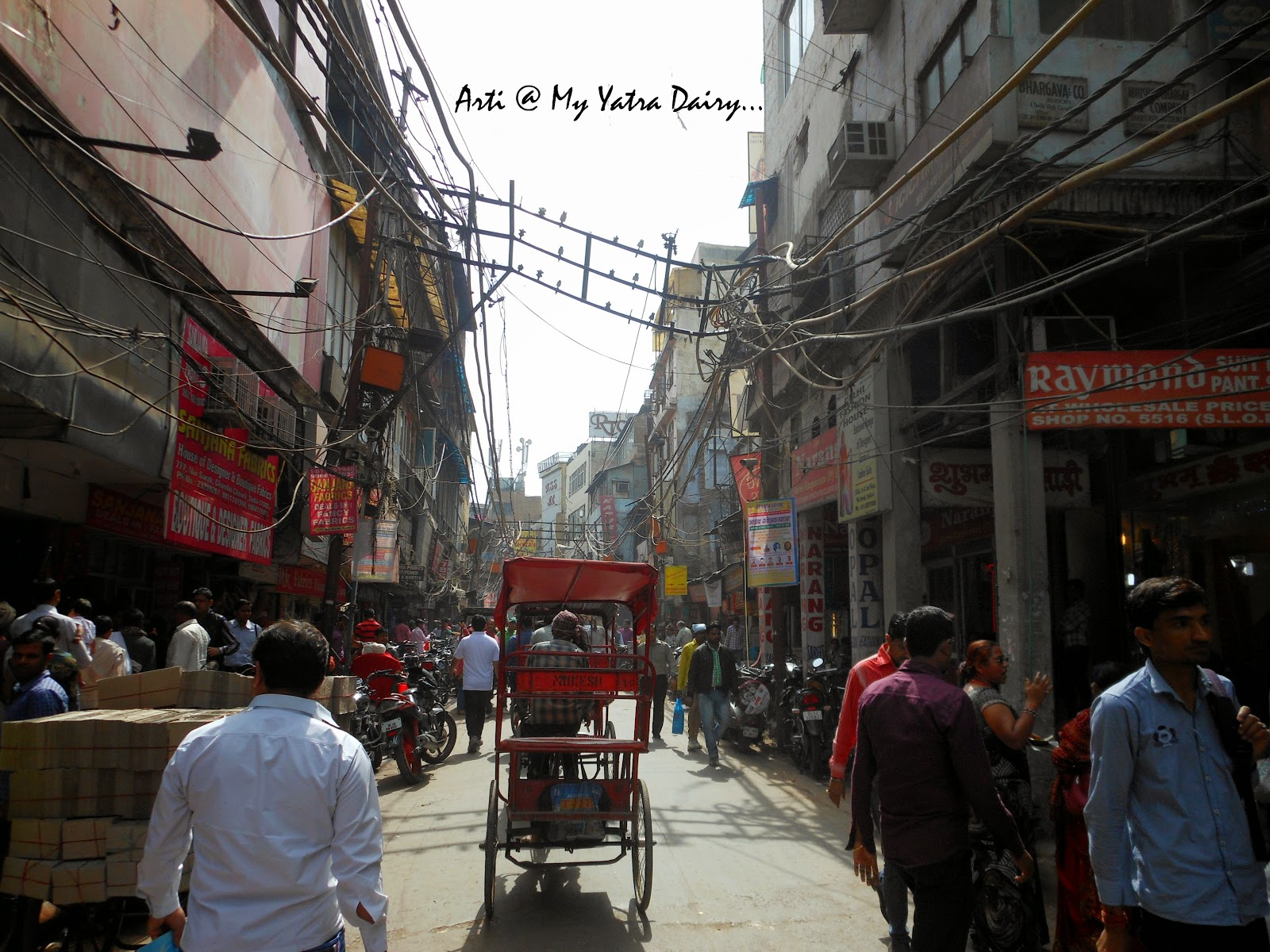 Narrow crowded streets of Chandni Chawk, Old Delhi