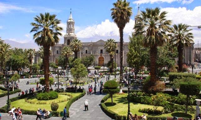 La Plaza de Armas en Arequipa