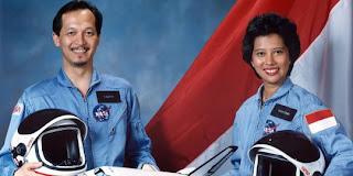 foto pasangan astronot Indonesia