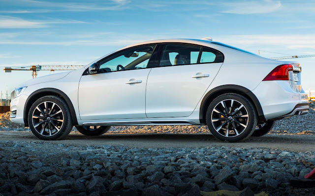 2016 Volvo S60 2016 Cross Country