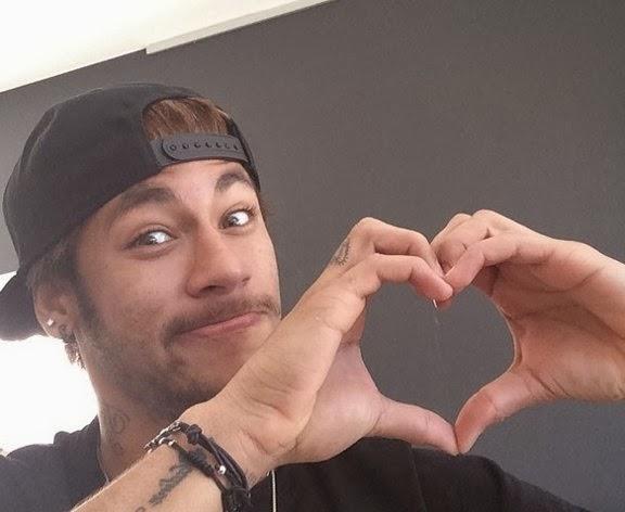 Solteiro, Neymar brinca com dia dos namorados