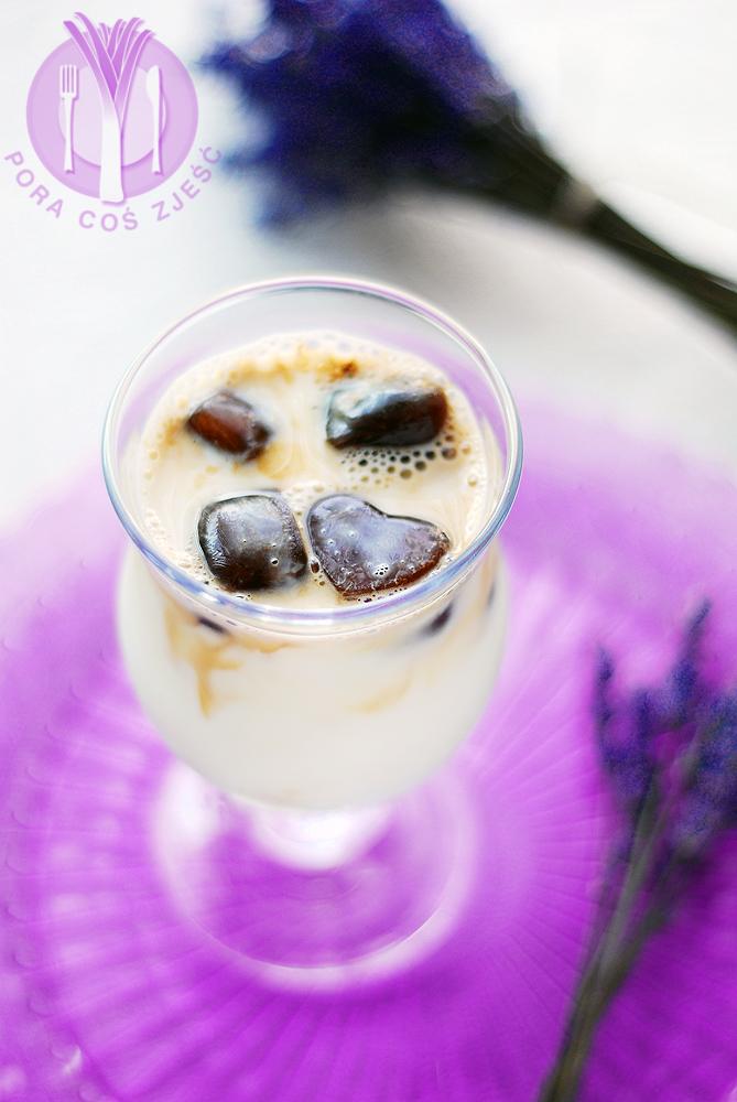 Lawendowa kawa mrożona