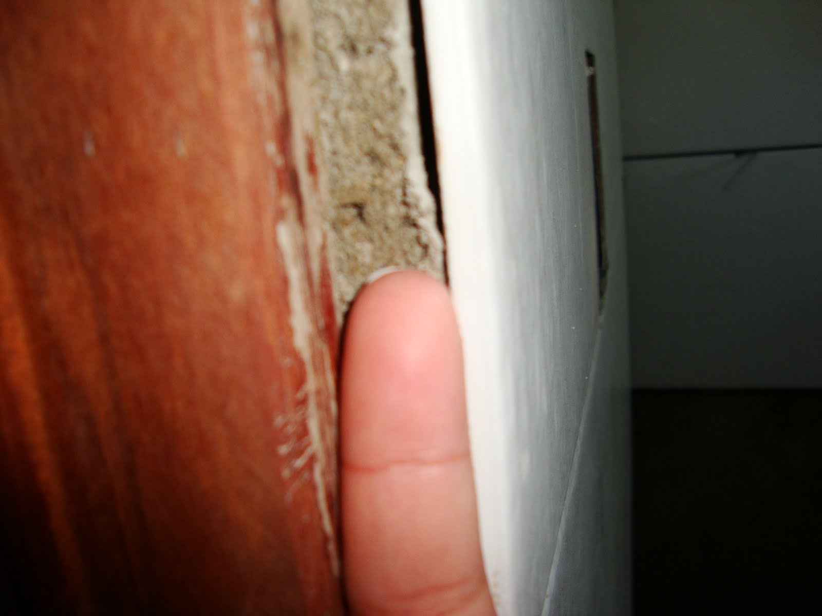 #802F17 Uma casa para nós dois!: Cerâmica do banheiro e as janelas  1692 Janela De Aluminio Montagem