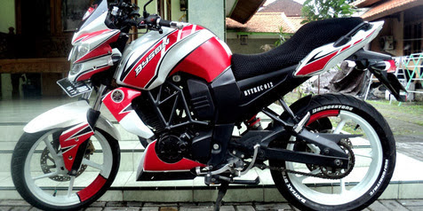 Modifikasi Yamaha Byson 2013 Touring Putih