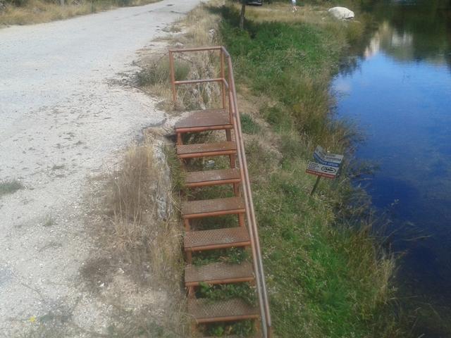 Escada Metálica acesso á praia fluvial