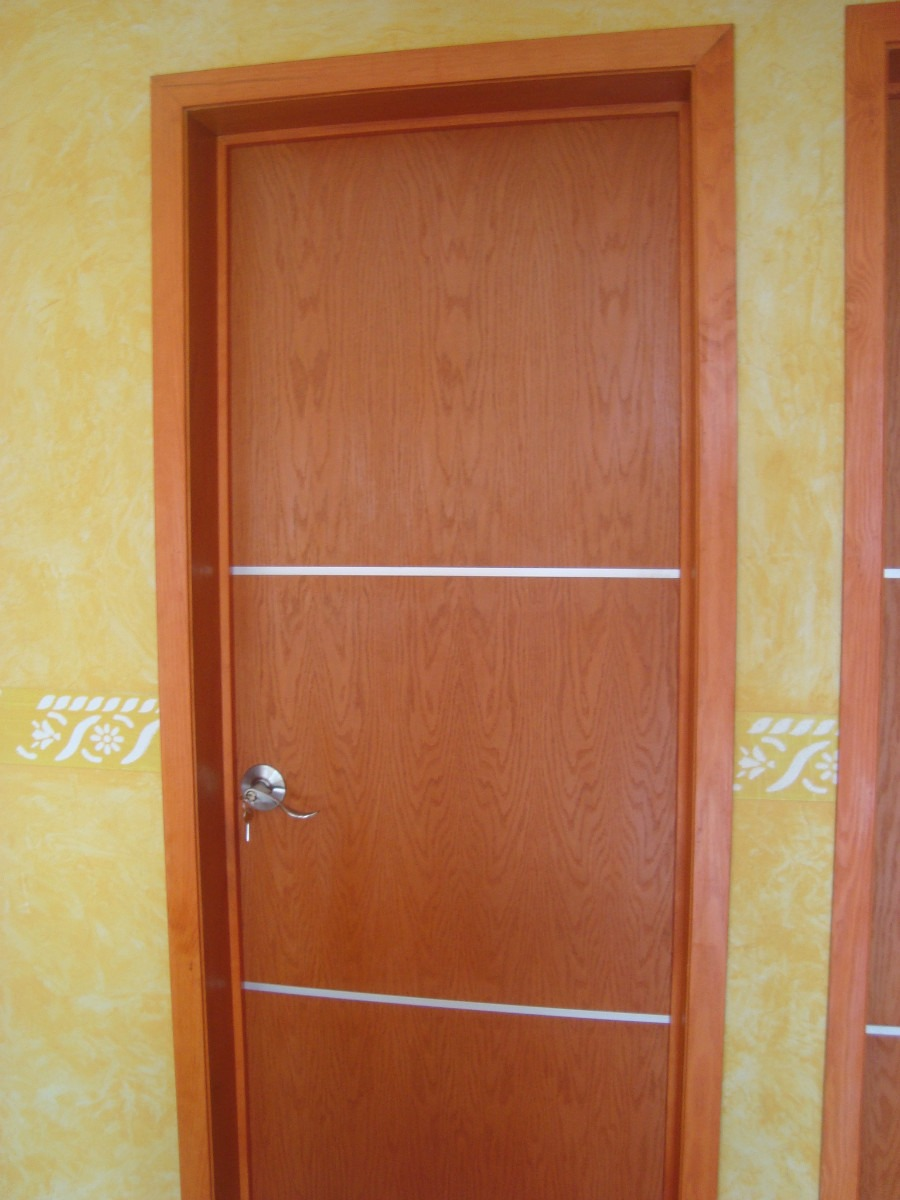 Solo maderas puertas interiores for Puertas para recamaras modernas
