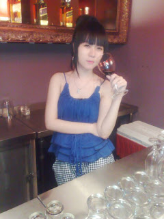 YohYi Shumi Jing drunk facebook girls