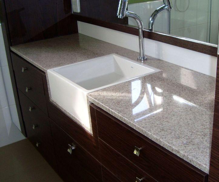 A Casa da Sheila Tons de granito e mármore -> Granito Branco Para Pia De Banheiro