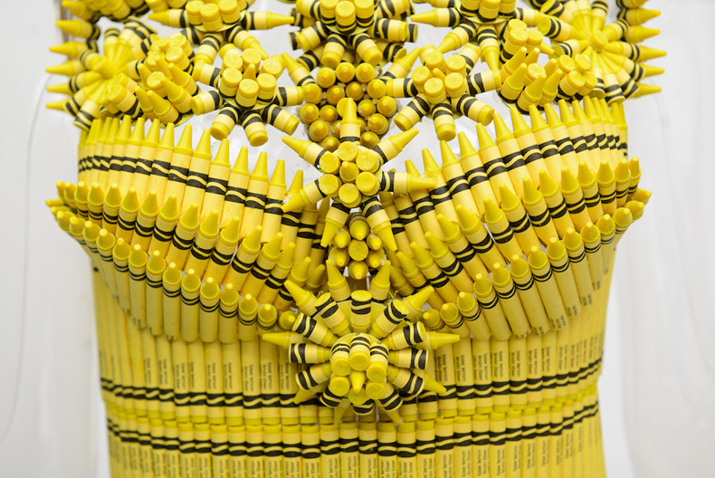 Vestidos hecho de Crayola para Bloomingdales NYC