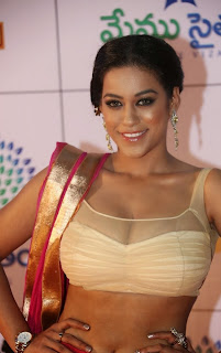 Actress Mumaith Khan  Picture Gallery in Half Saree at Memu Saitam Dinner with Stars Red Carpet  14.jpg