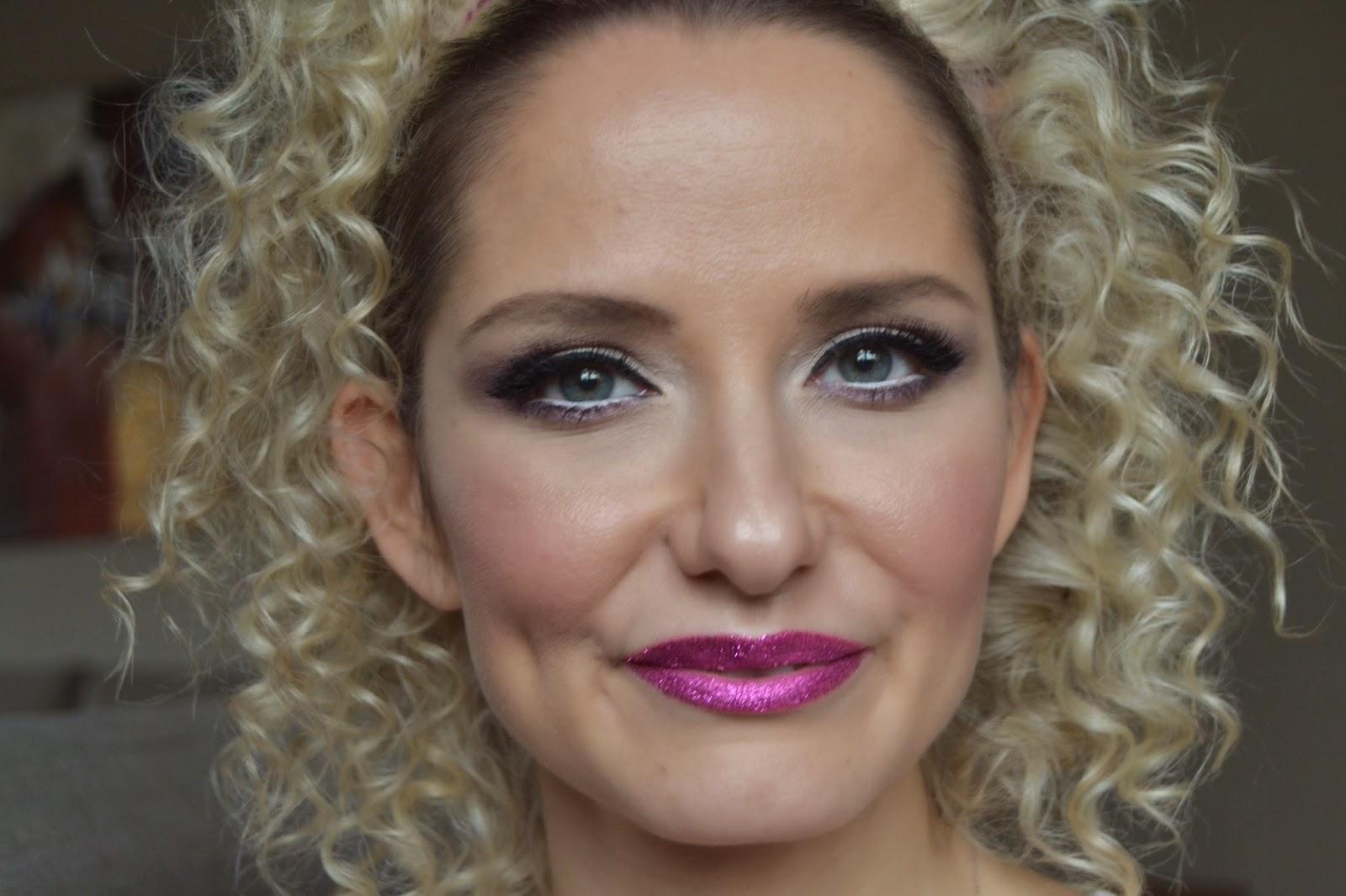 youtuber - makyaj bloğu - yılbaşı makyajı - yeni yıl makyajı- new year makeup - pembe defter -  kozmetik blogları - pembe ruj makyajı - mac - candy yum yum- too faced - glitter lips