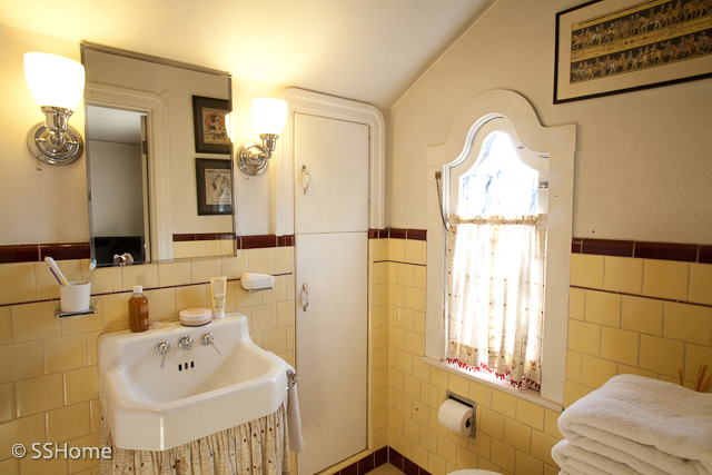 Joy of nesting vintage 1930 39 s style bathrooms redesigned for 1930 s bathroom decor