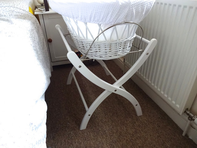 izziwotnot moses basket & stand