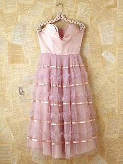 Vintage pink tulle party dress with strapless sweetheart satin neckline